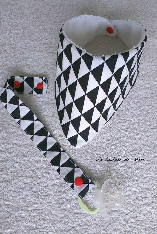Ensemble bavoir en noir et blanc