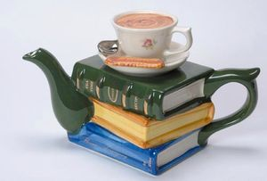 Books-and-Tea-Teapot