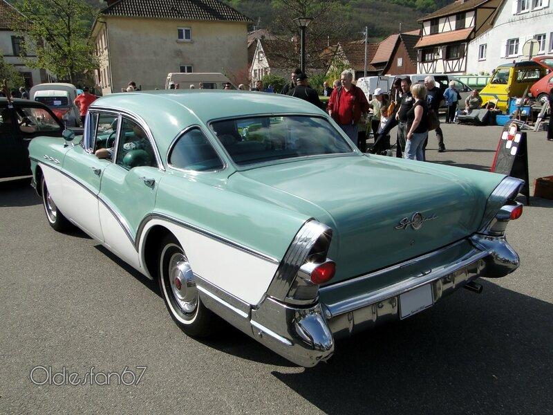 buick-special-4door-sedan-1957-b