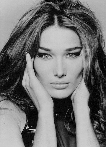 Carla Bruni Noir et Blanc