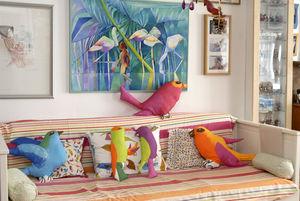 coussin_oiseau_sur_canap__1