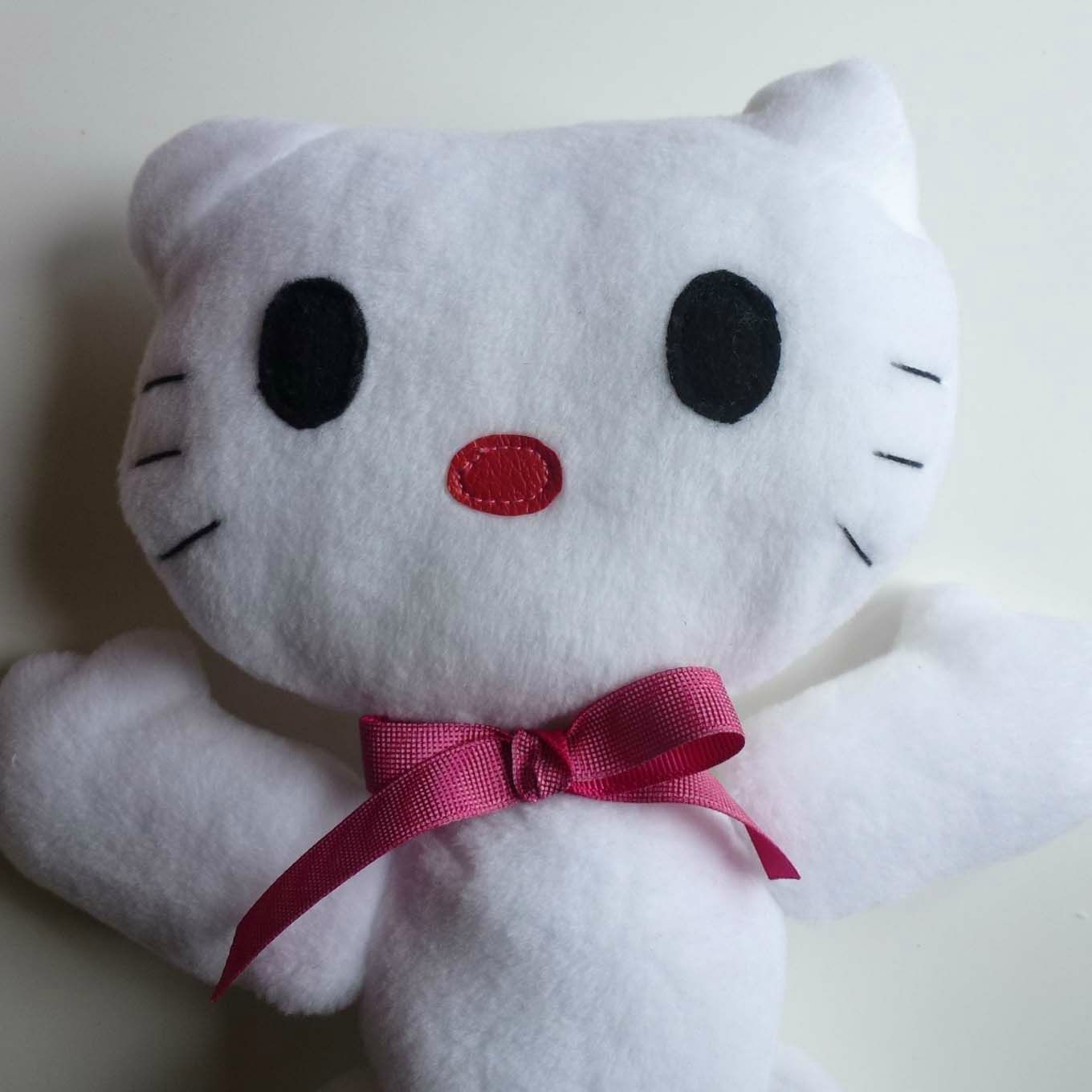 pages mercerie couture patrons modeles tissu hello kitty en