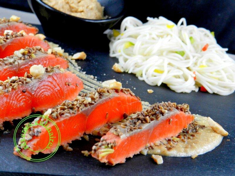 tataki de saumon, sauce cacahuètes