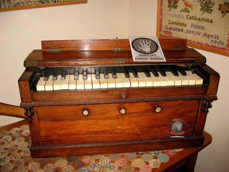 FRANSCHHOEK piano