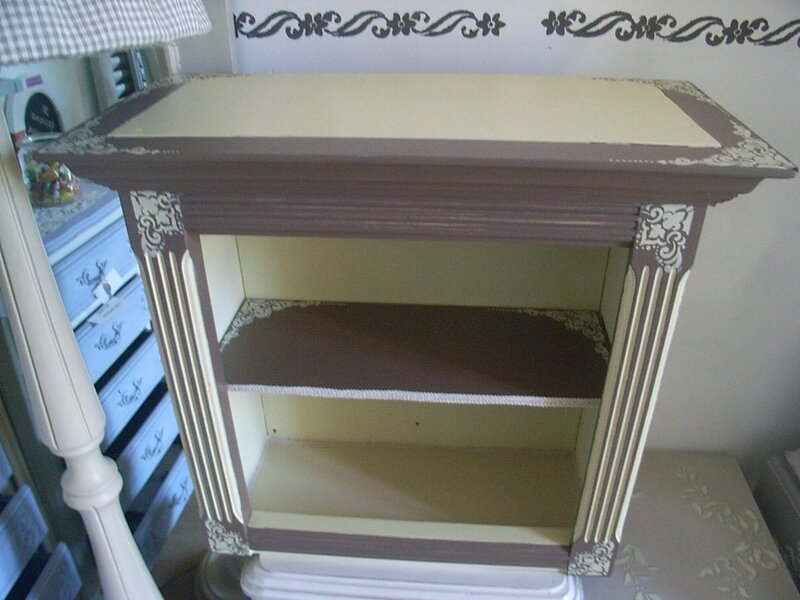 petit meuble pour les confitures d coration du bontemps. Black Bedroom Furniture Sets. Home Design Ideas