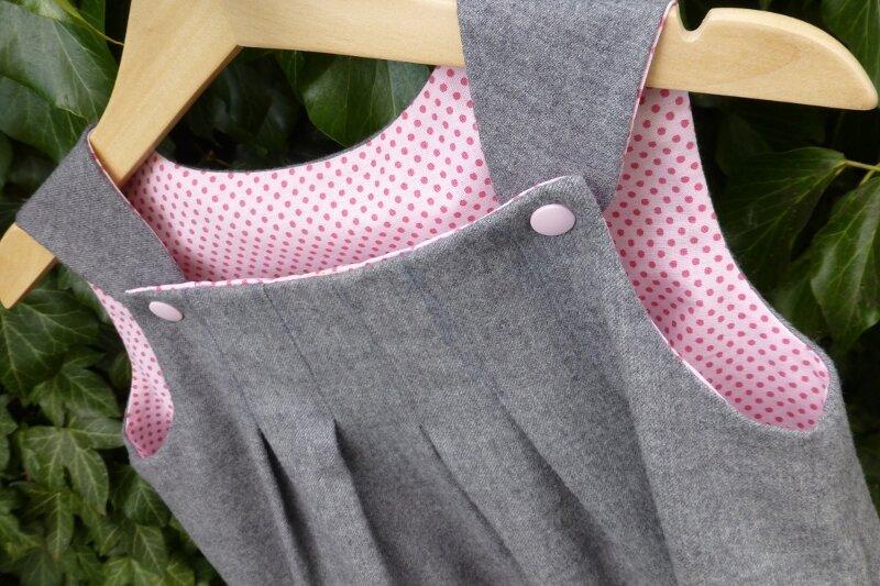 la petite robe grise