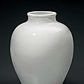 A white-glazed ovoid vase, china, late ming-early qing dynasty, 17th-18th century