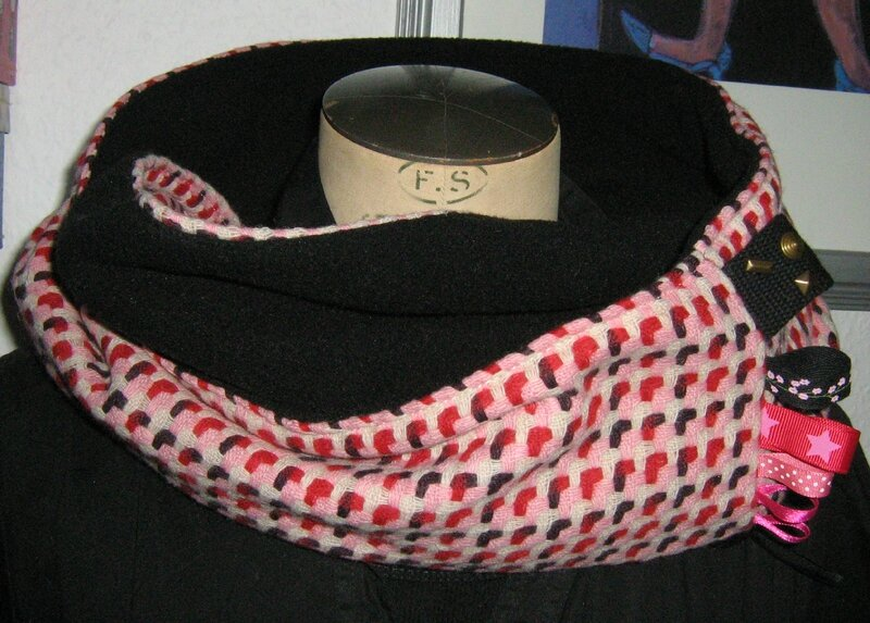 snood pied poule rose