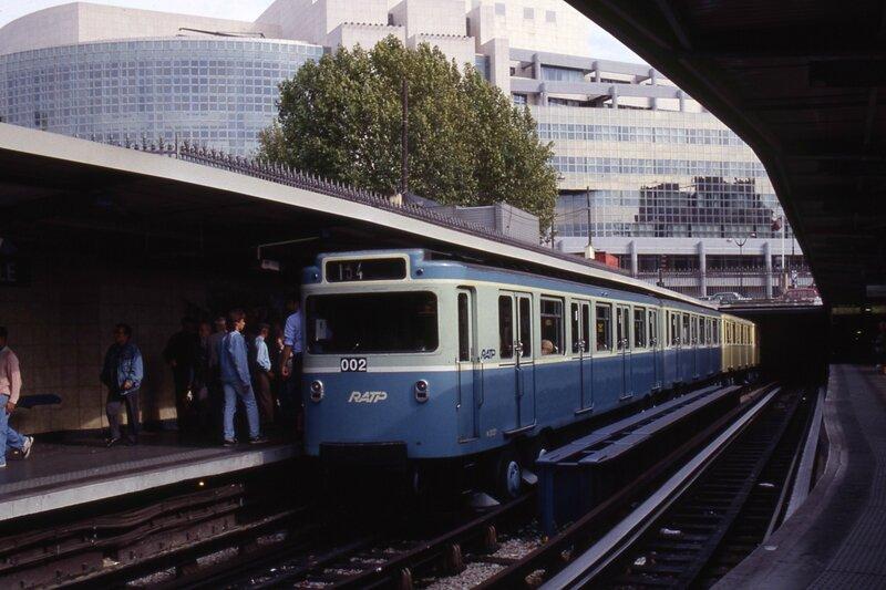 1990_MP59-1bastille2