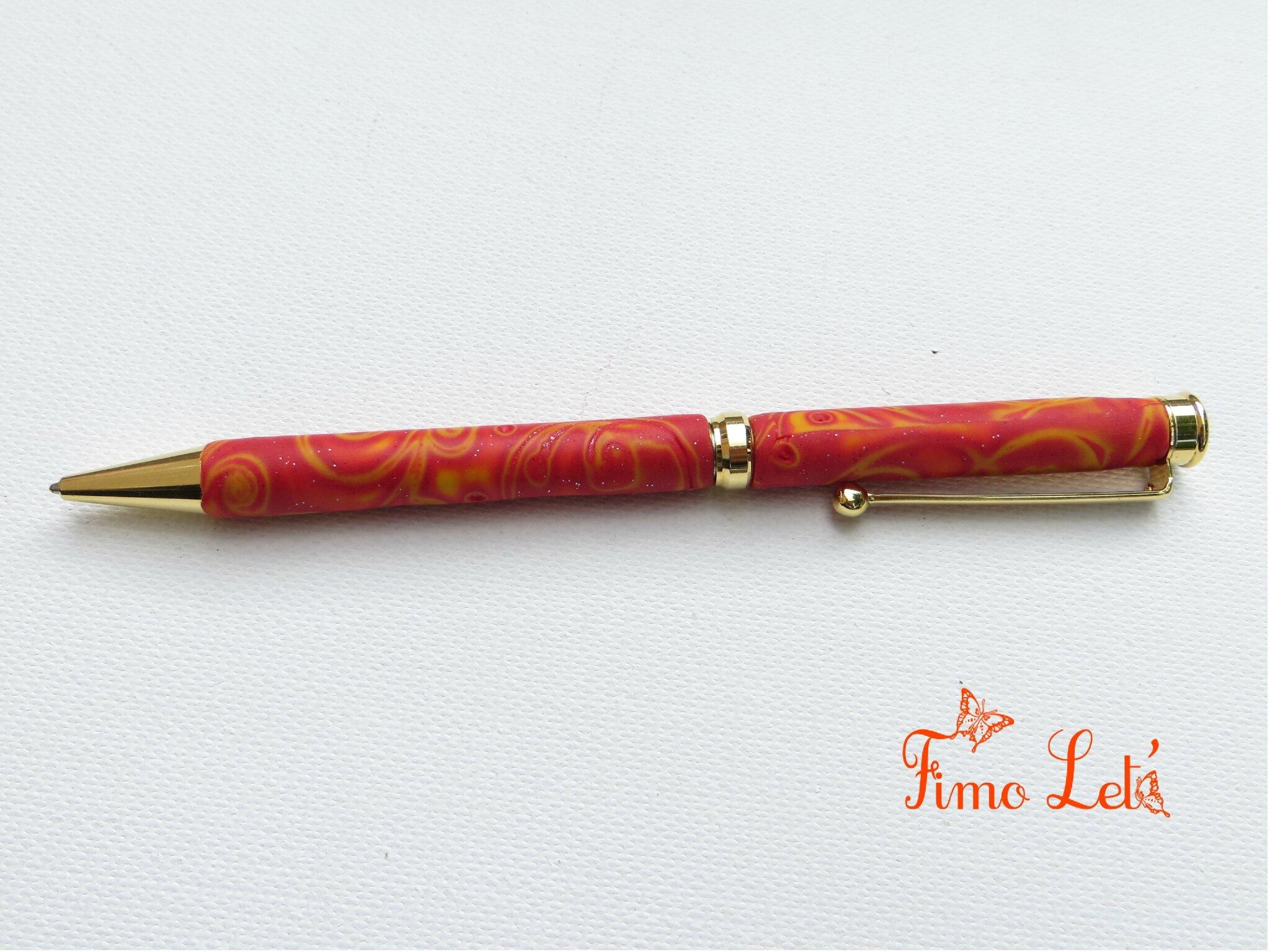 Des stylos...