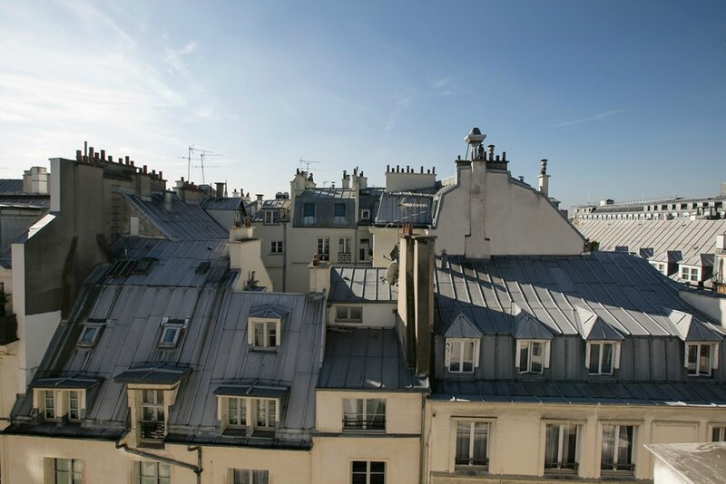 vue-toits-paris-appartement-rue-de-rivoli-1024x683