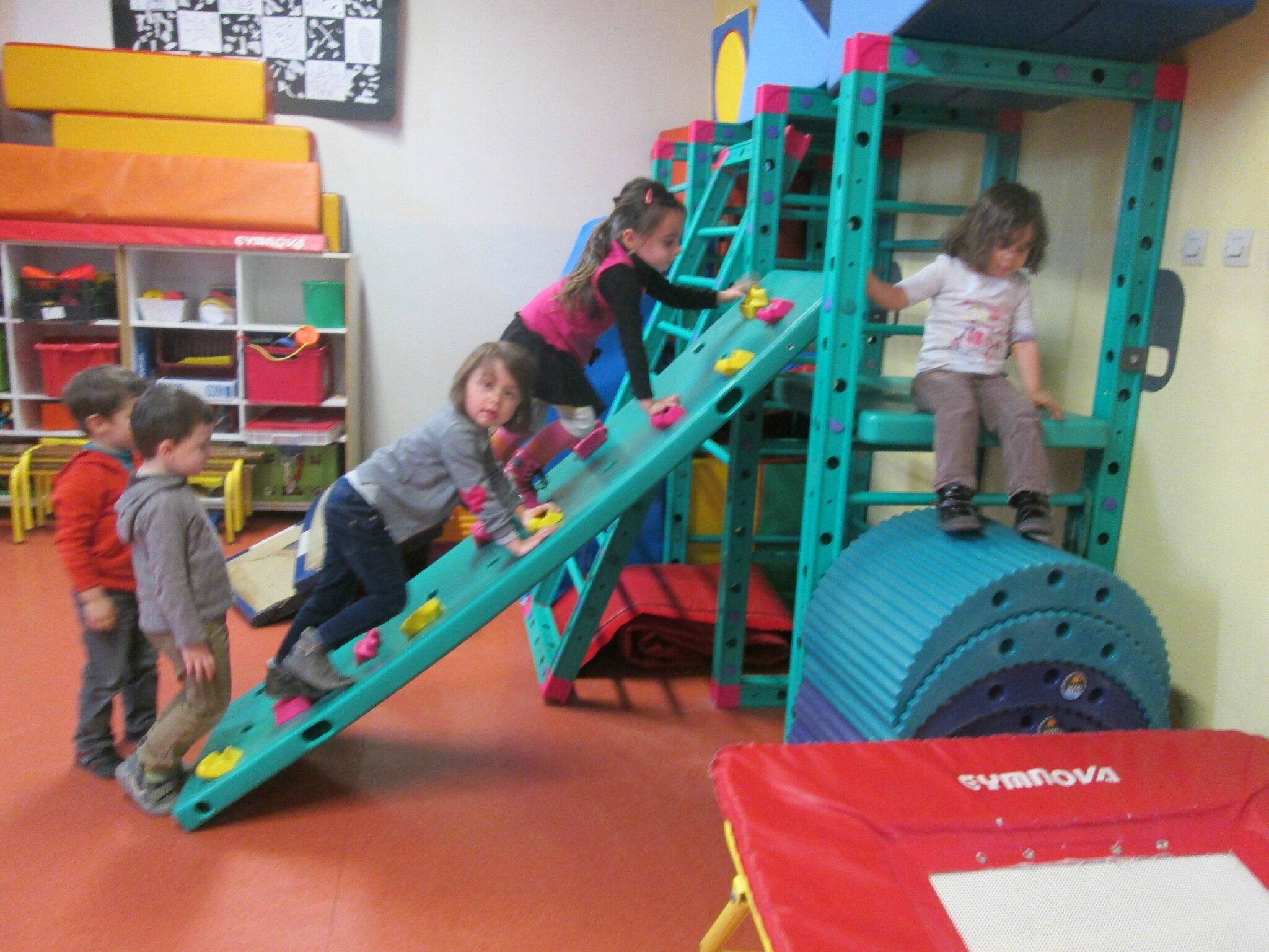 Fabulous Parcours de motricité - La maternelle de Vivi VR01