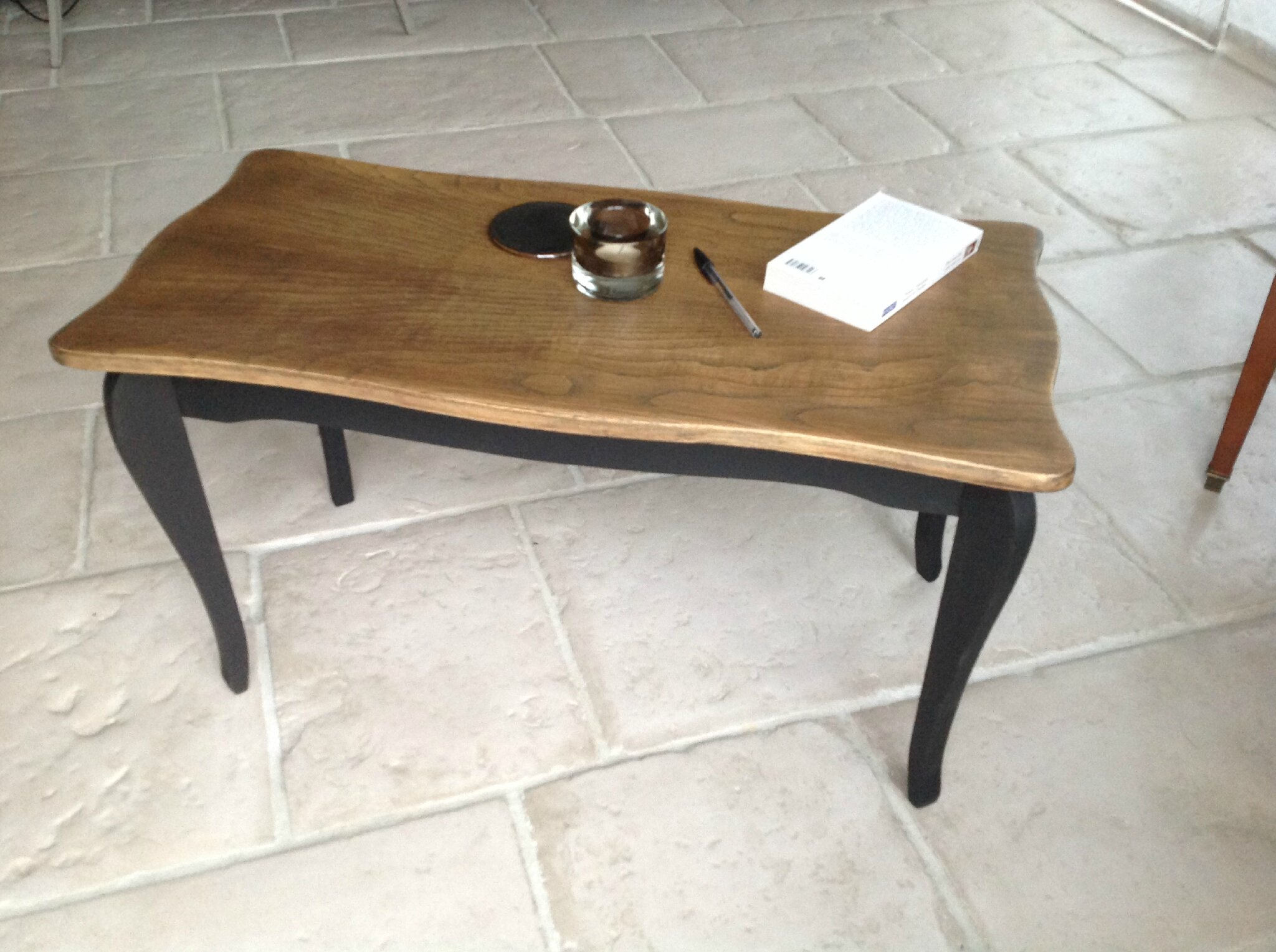 Table basse en bois double patine noir bois naturel for Table basse en bois naturel