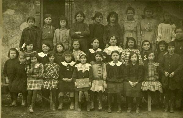 Ecole-de-filles-vers-1915-1916