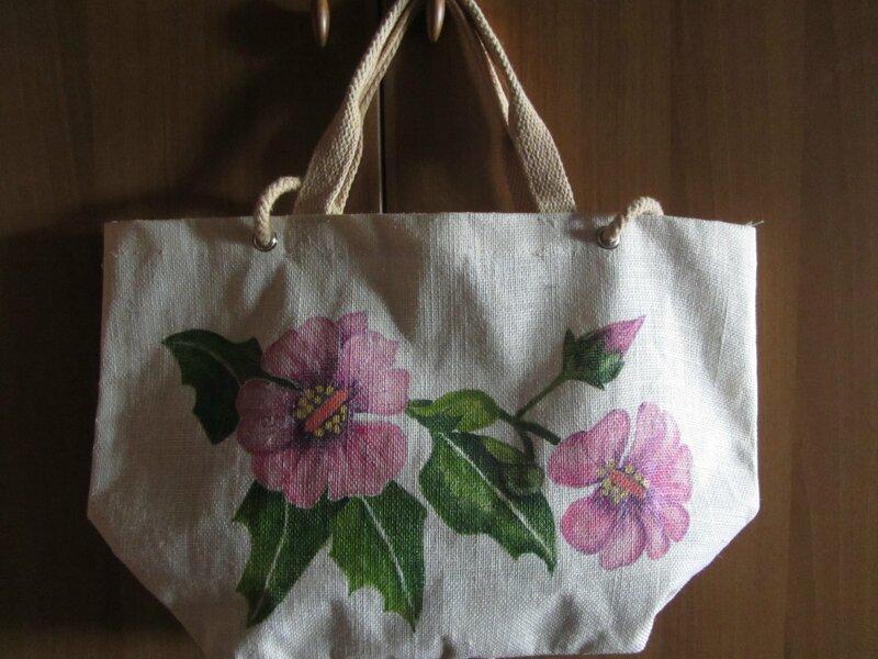borsa con i fiori di ibisco