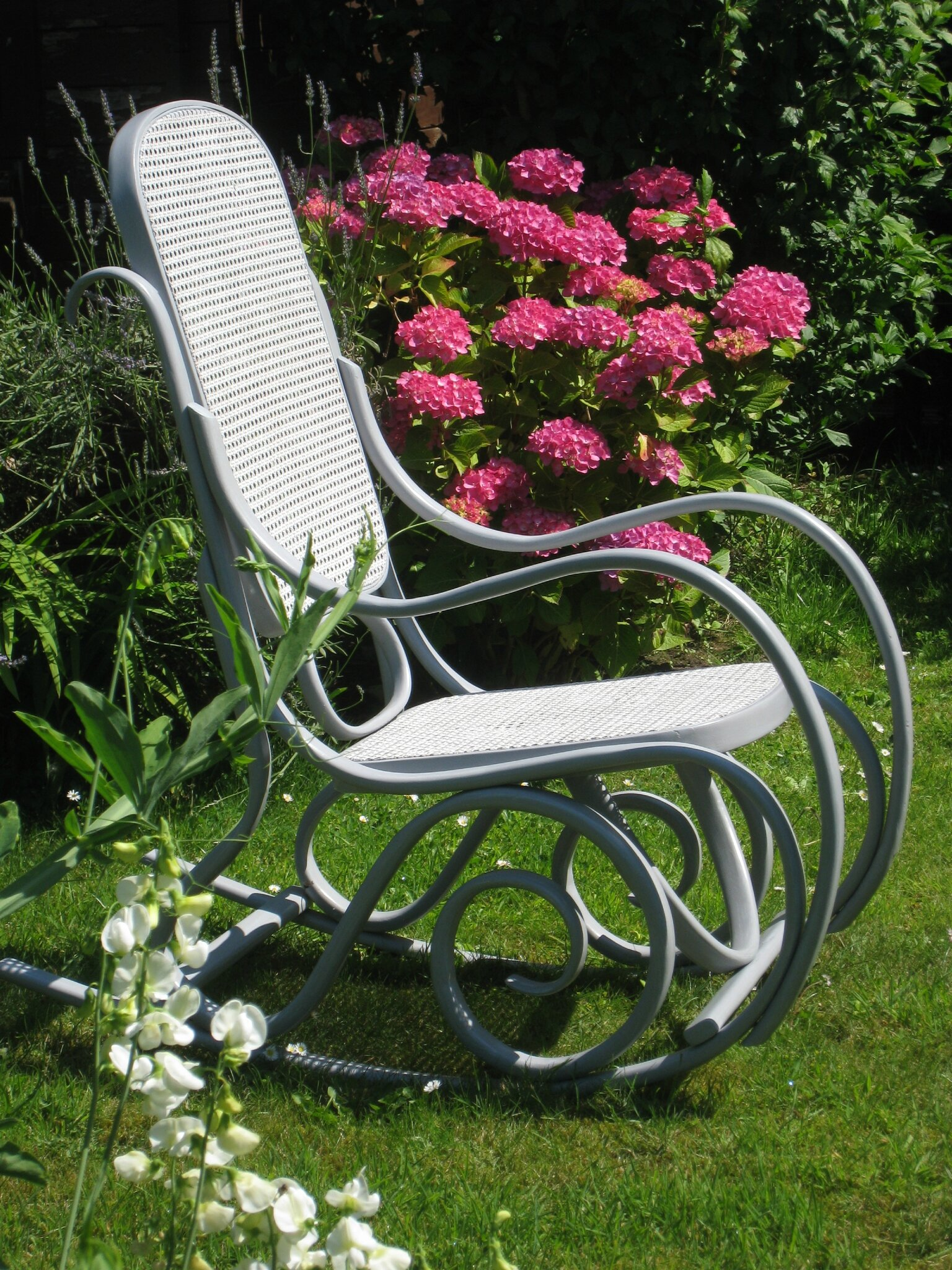 Rocking-chair in the garden