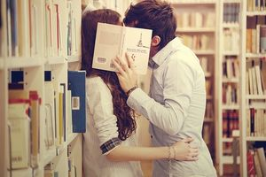 beautiful-books-couple-kissing-Favim_com-427498