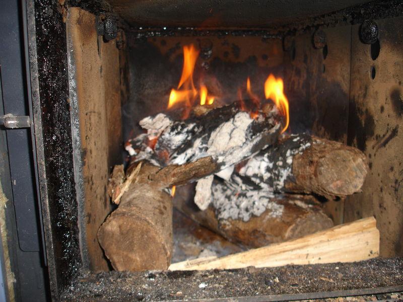 Comment allumer une chaudi re bois rapidement avec la - Comment allumer une cheminee ...