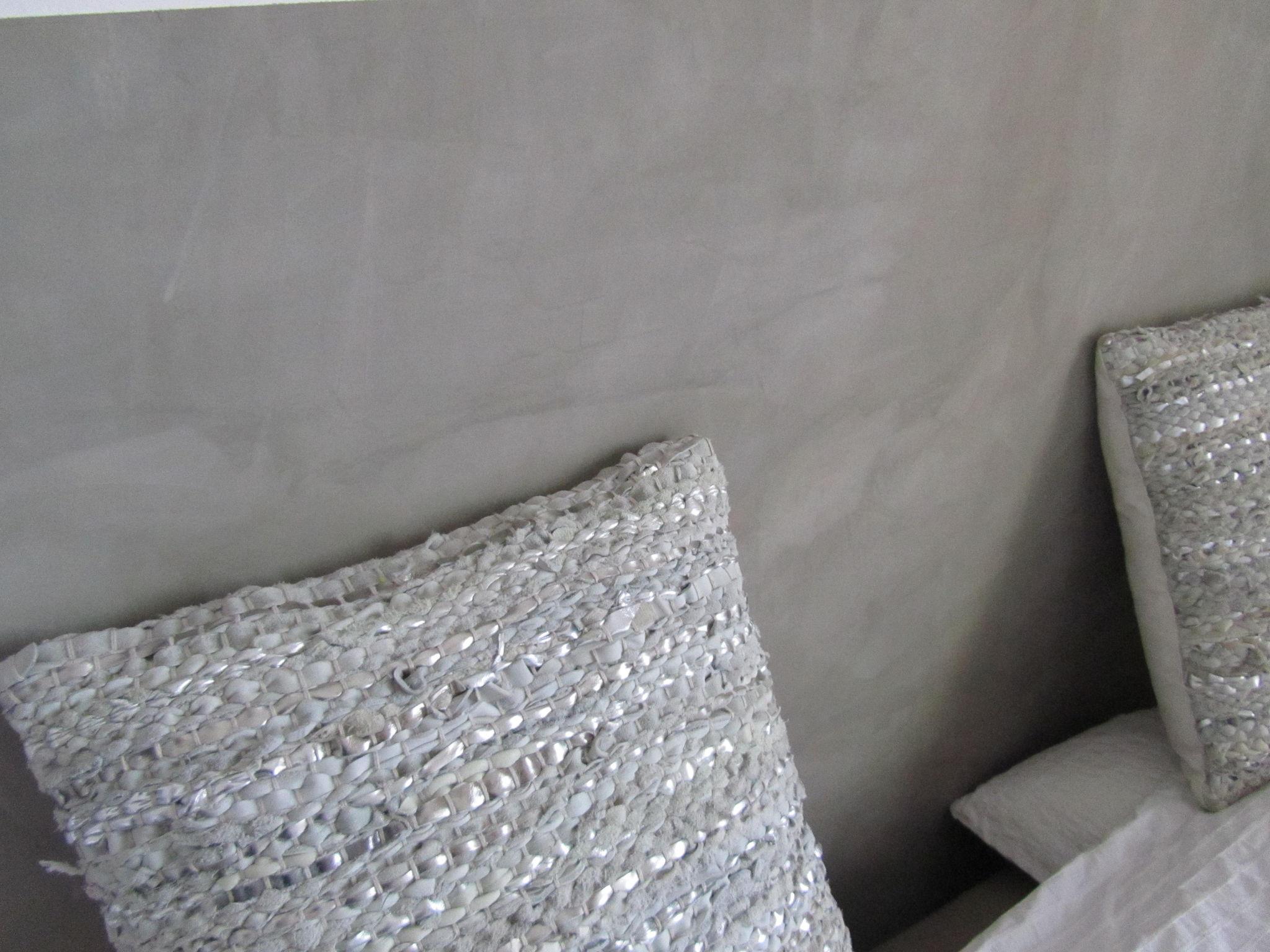 Enduit mural beton mural photo de les enduits for Badigeons de chaux interieur