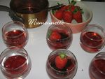 Verrines_fraises_chocolat_es_sur_compot_e_de_fraises_004