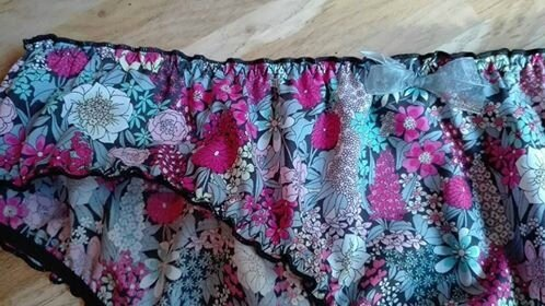 Culotte CHARLOTTE en Liberty Ciara rose et gris - noeud de mousseline gris (1)