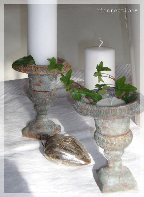 Vases médicis décorés pour Noël