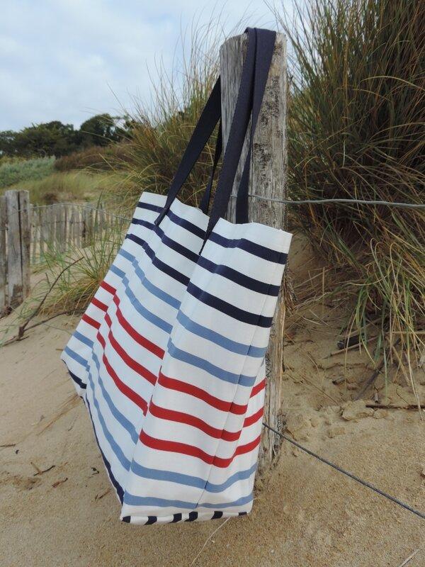 l 39 indispensable sac de plage xxl happy aime. Black Bedroom Furniture Sets. Home Design Ideas