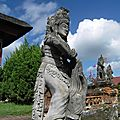 137_Klungkung_statue