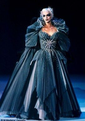 Mode_dossier_exposition_versailles_tendance_histoire_Thierry_Mugler_galerie_principal