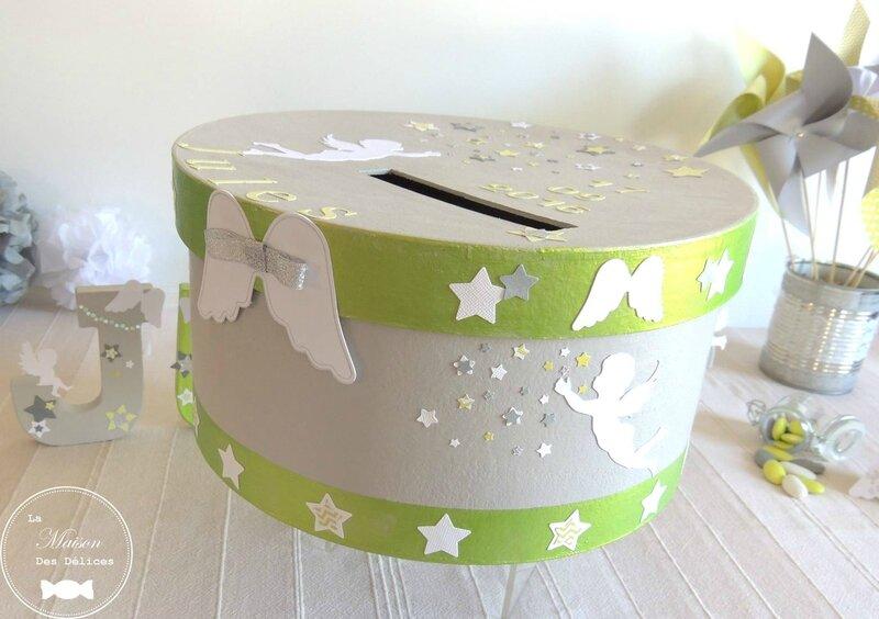 urne bapteme theme etoile nages vert anis gris blanc moulin a vent decoration pompon lettres prenom decorees contenant dragees