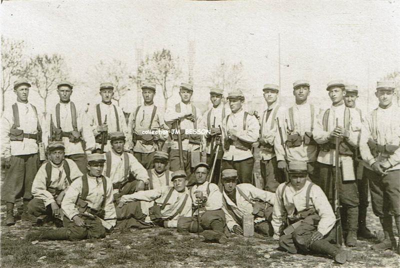 Alfred BESSON avec son escouade au 111 RI recto-b