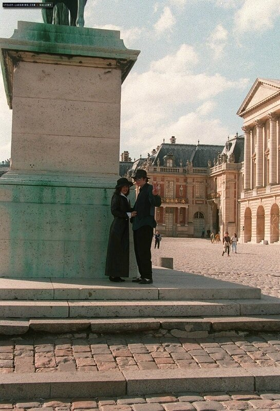 michael-and-lisa-marie-presley-visit-the-chateau-de-versailles-in-france(78)-m-10