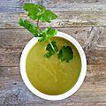 *soupe : brocoli, thé matcha et curry vert..*