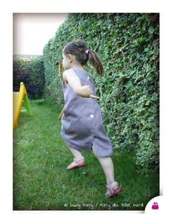 IMG_1249-mary-du-pole-nord-owly-mary-robe-lin-mauve-applique-coeur-serpentine-croquet-chasuble-bouton-nacre-fleur-pois-ecru-noir-gris