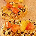 Bruschetta au chou cru et tomates