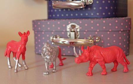 recycler les jouets aux petites canailles. Black Bedroom Furniture Sets. Home Design Ideas