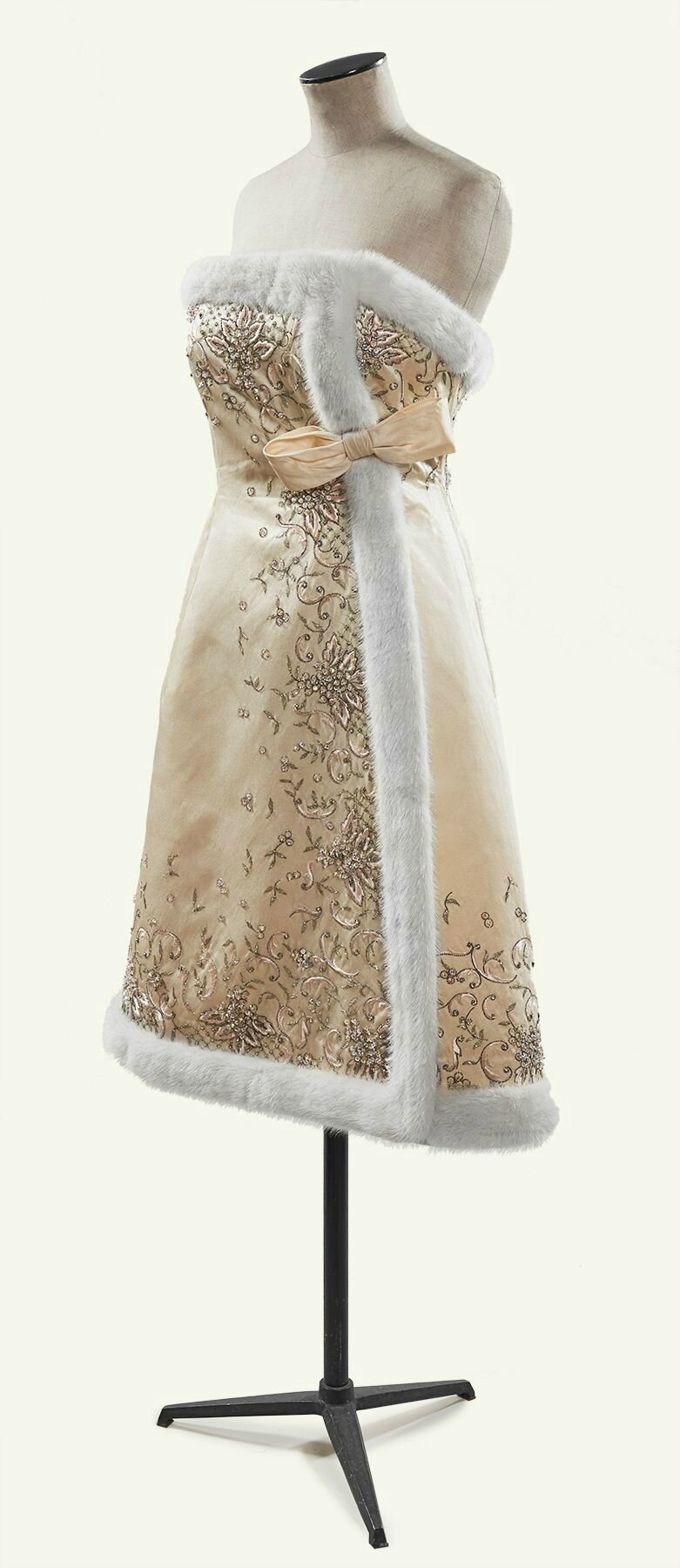 Jean PATOU Haute Couture, circa 1950-55. Robe de cocktail
