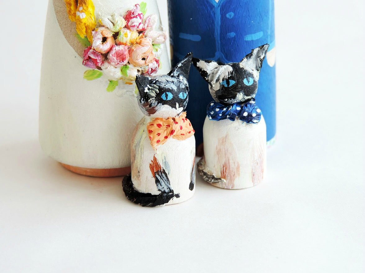 Famille wedding cake toppers chat