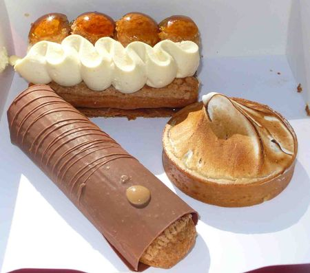 eclair_tarte_citron_st_honor_. The Saint honoré