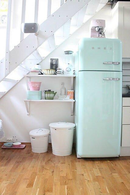 Cuisine avec frigo smeg 2 tendance déco la pastel MyHomeDesign