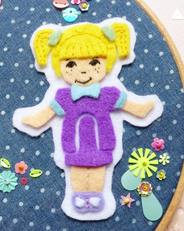 polly-pocket-feutrine-felt-paillettes-sequin-broderie