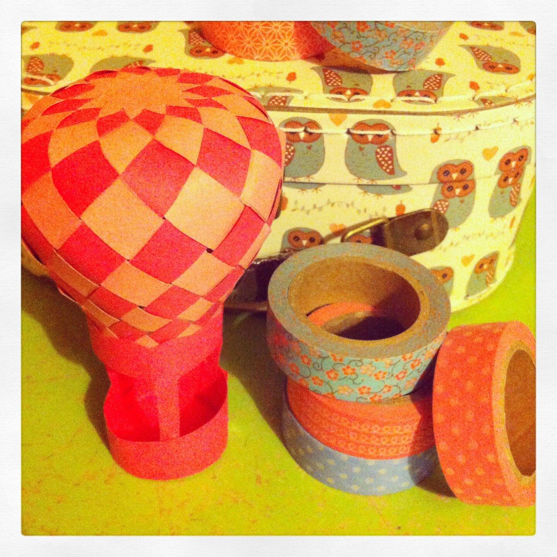montgolfi re en papier l 39 atelier de l 39 effet merry 39 d. Black Bedroom Furniture Sets. Home Design Ideas