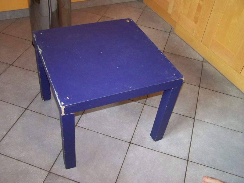 Customiser table basse vernis colle - Relooker une table basse ikea ...