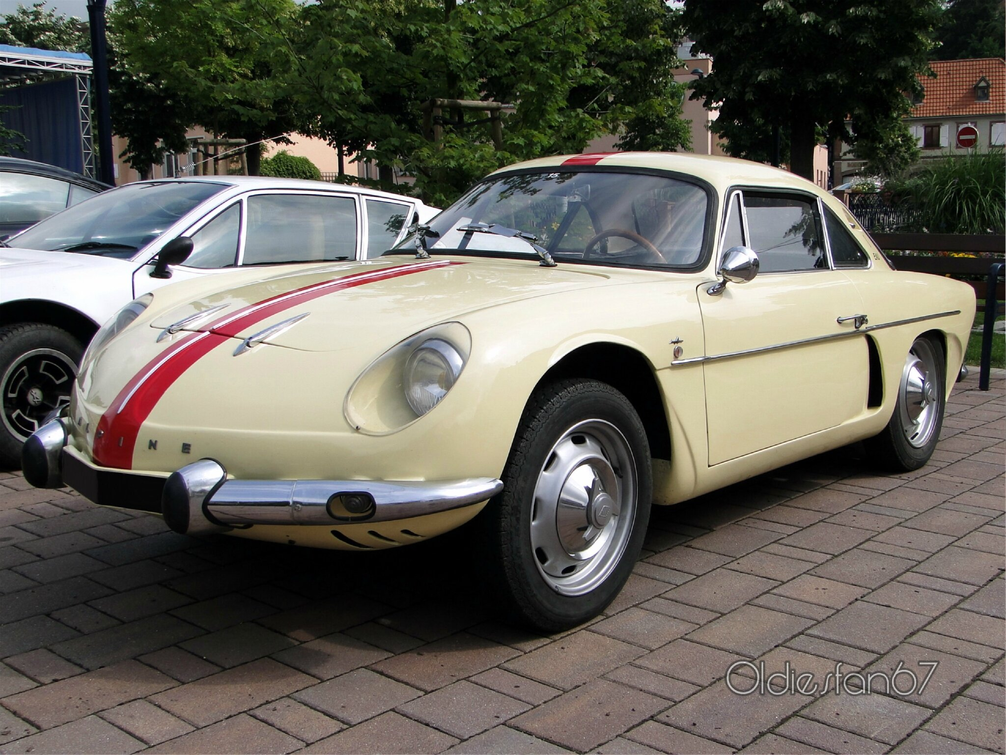 alpine renault a108 berlinette 1960 1965 oldiesfan67 mon blog auto. Black Bedroom Furniture Sets. Home Design Ideas