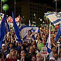 Des dizaines de milliers de manifestants anti-netanyahu, rassemblés à tel-aviv