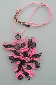 collier_quil_rose_marron_1