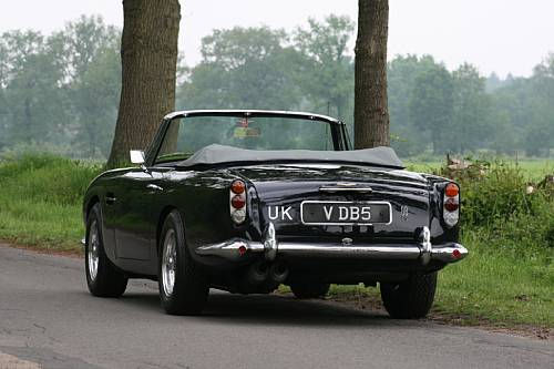 1965 aston martin db5 vantage convertible sold for 551 500 photo