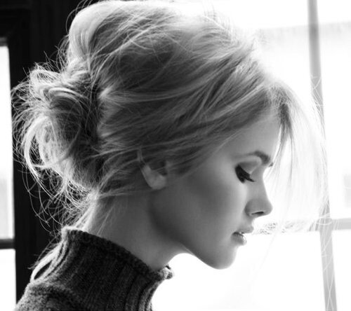 beautiful-beauty-black-and-white-blackandwhite-blonde-bun-Favim