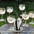 Support de verres purete florale boule blancs