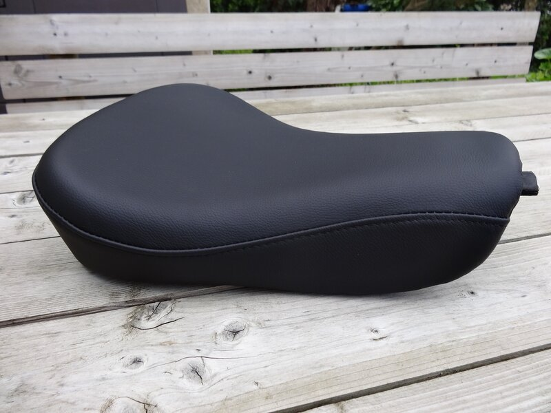 Selle cuir Harley Forty Eight montée sur Iron